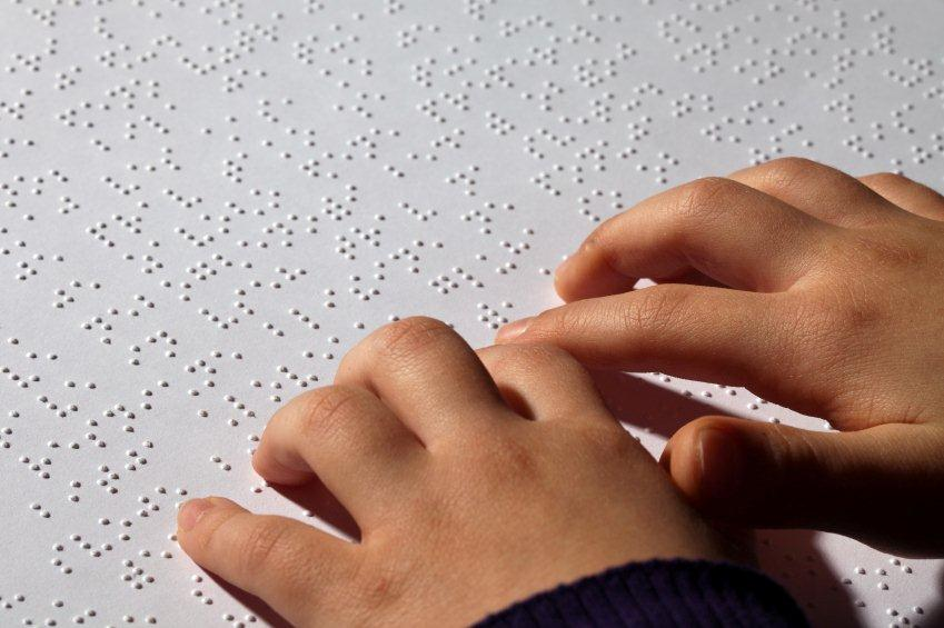 Punktskrift til blinde (braille).